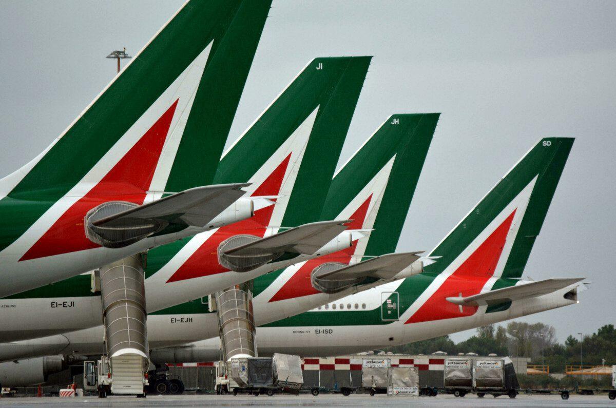 """Copertina dell'articolo: Alitalia-Ita: """"Forte preoccupazione per il personale dei servizi a terra"""""""